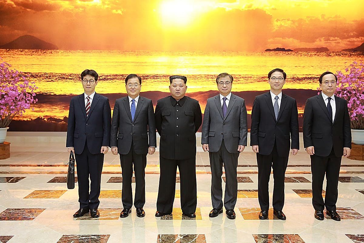 Silence from north korea since trump accepted kims invitation axios south korean official chung eui yong 2nd l told trump about promises from kim 3rd l photo south korean presidential blue house via getty images stopboris Gallery