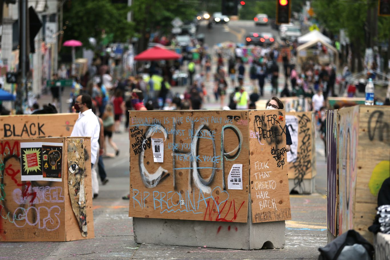 Shooting leaves one dead in Seattle's protest zone thumbnail