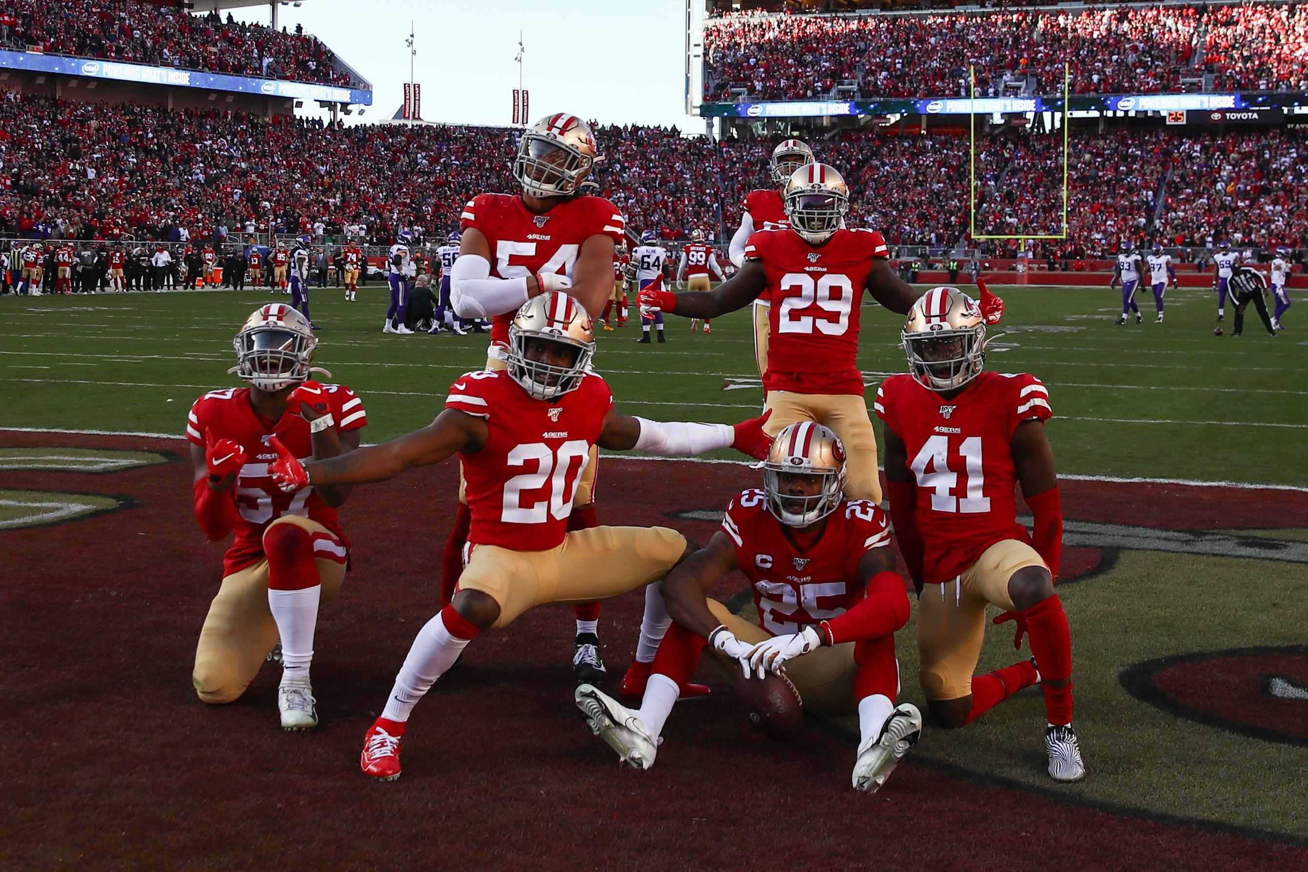 49ers defense posing