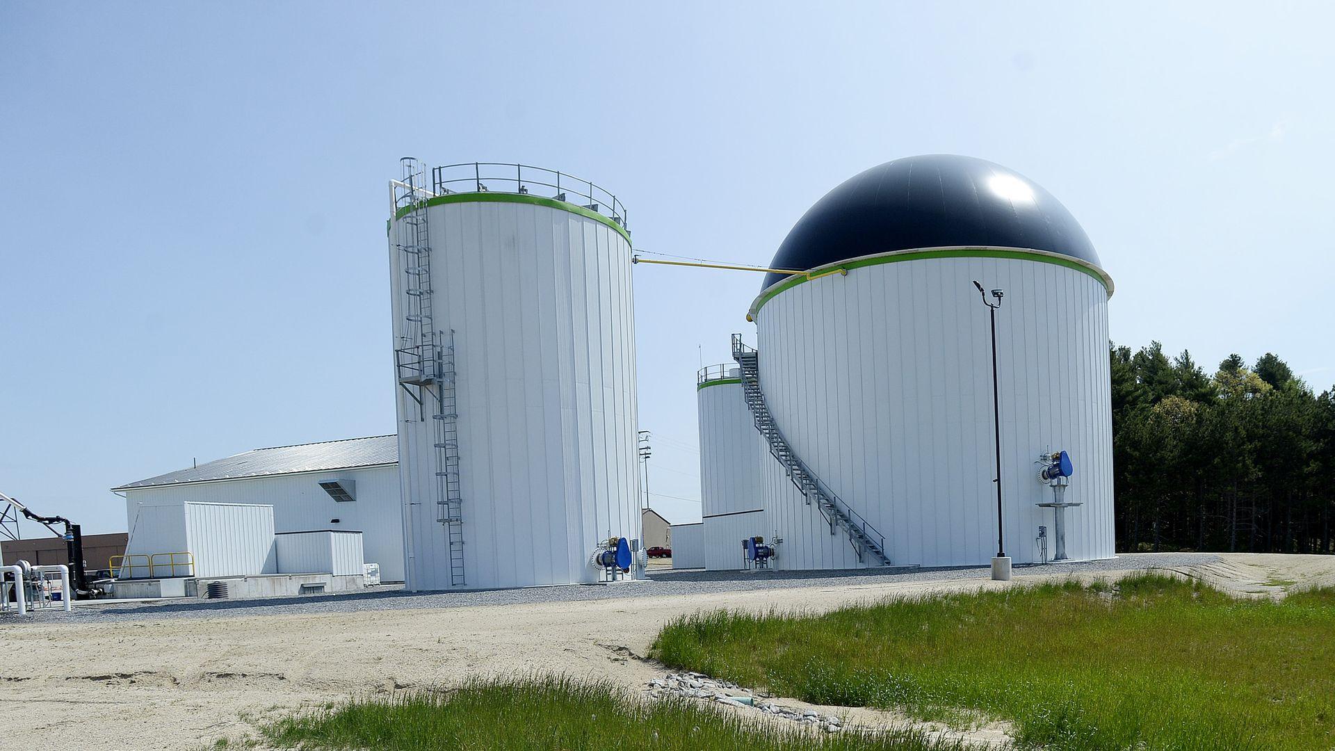 Methane gas renewable energy plant