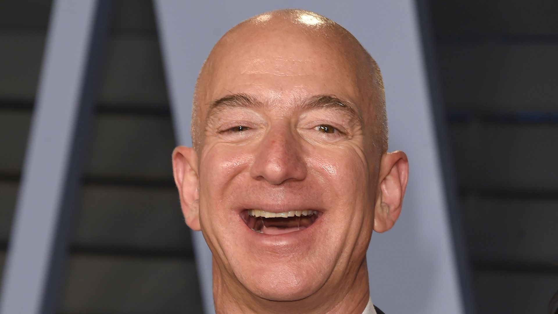 Jeff Bezos at an Oscar after-party.