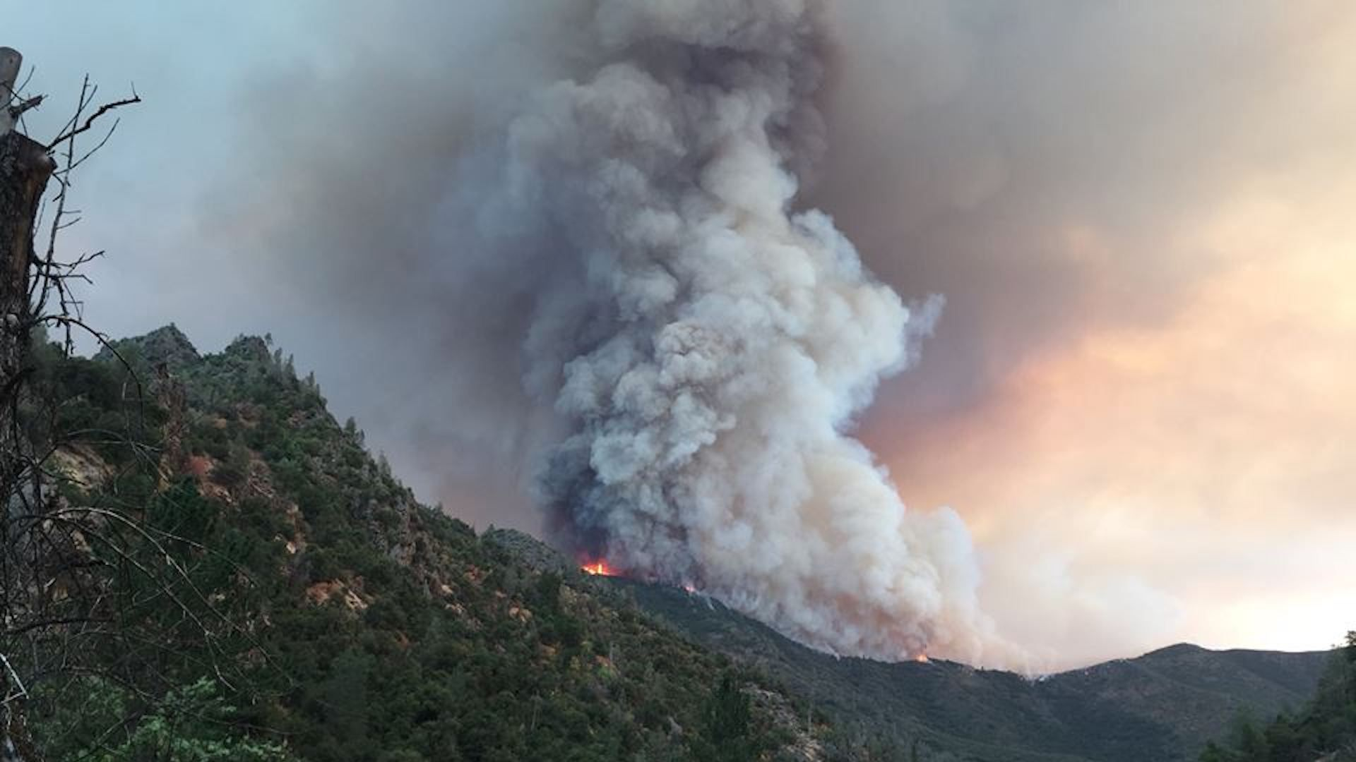 Ferguson fire burns in the Sierra National Forest near Yosemite National Park on July 16, 2018.