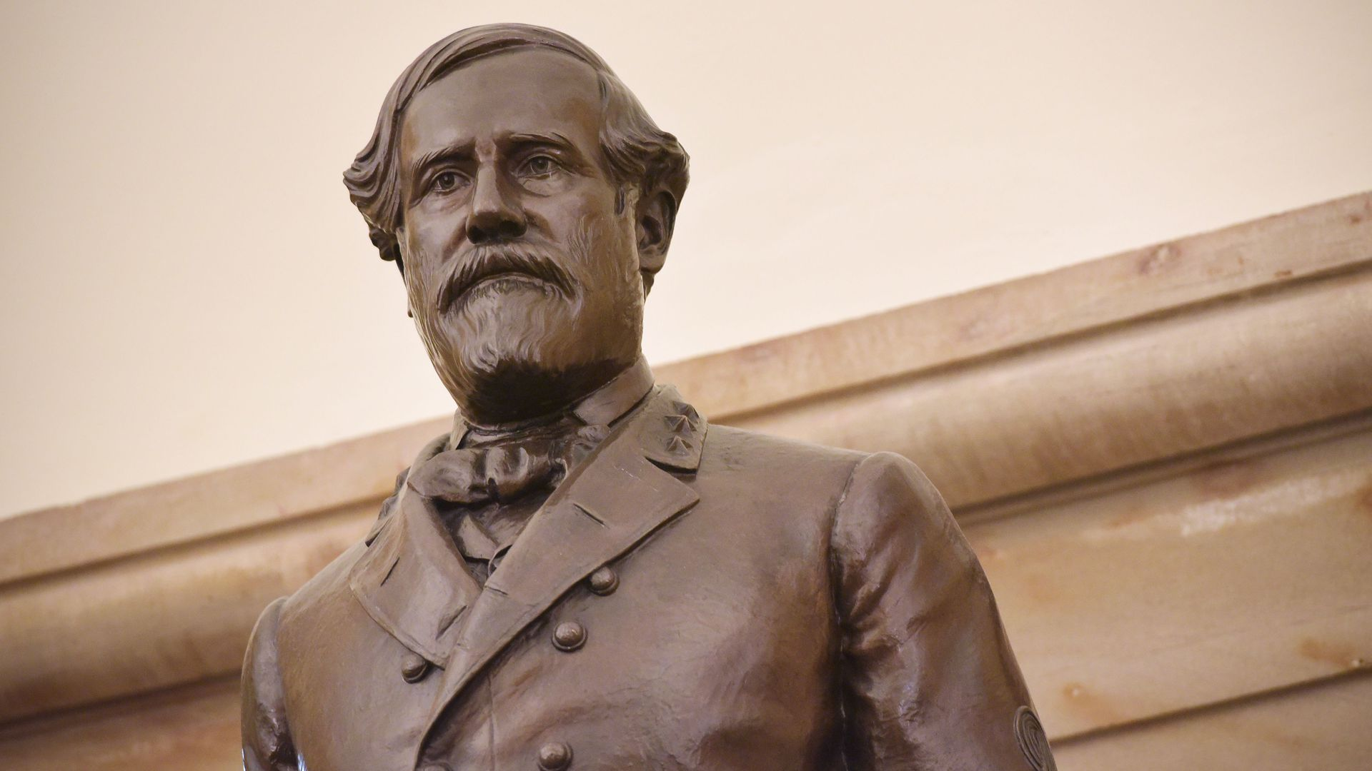 The statue of Robert E. Lee
