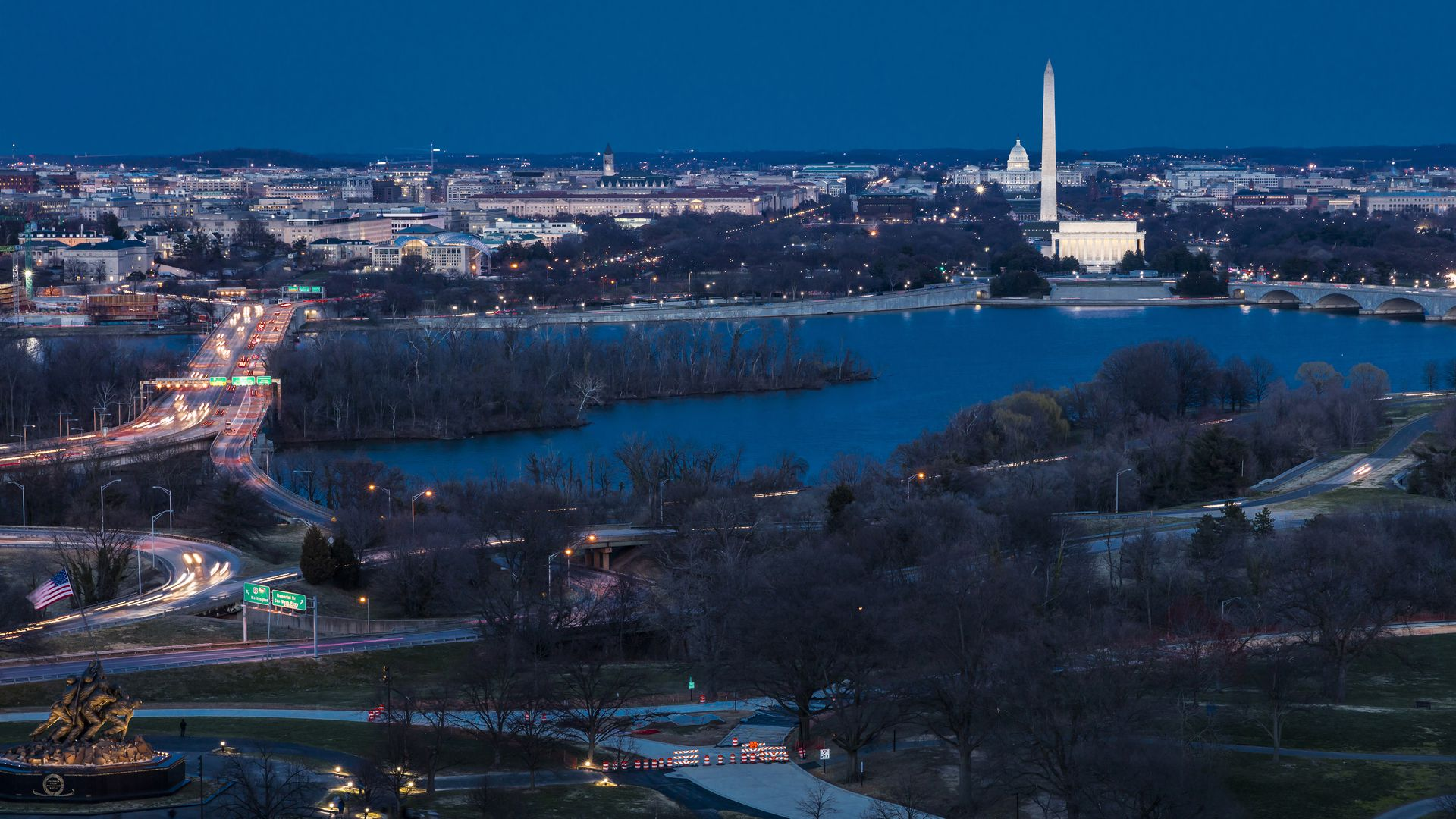 WAshington D.C. aerial view of the city, potomac and anacostia rivers.