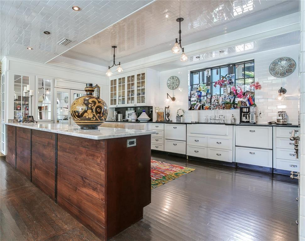 131 W. Davis Blvd kitchen