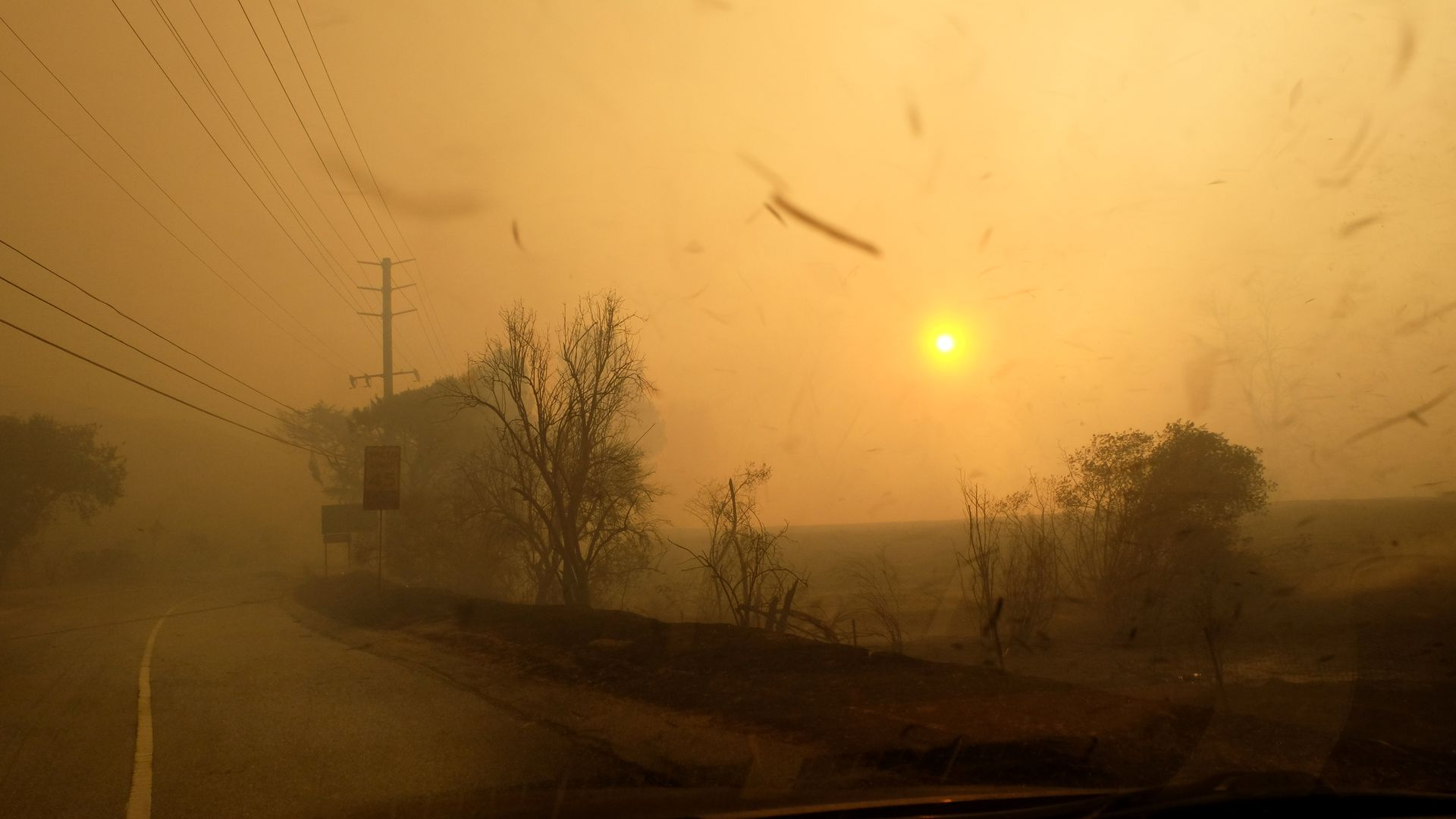 Photo of Woosley fire with huge amount of smoke and ash in air, blocking the sun