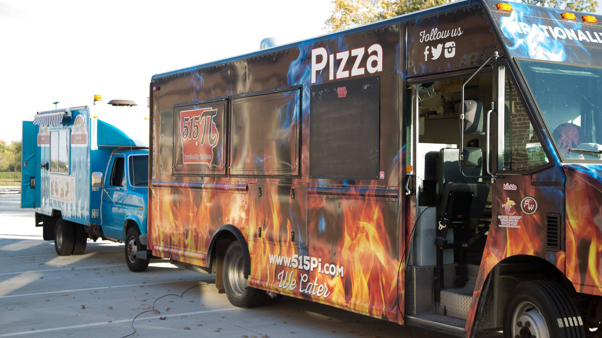 A photo of a Des Moines food truck.
