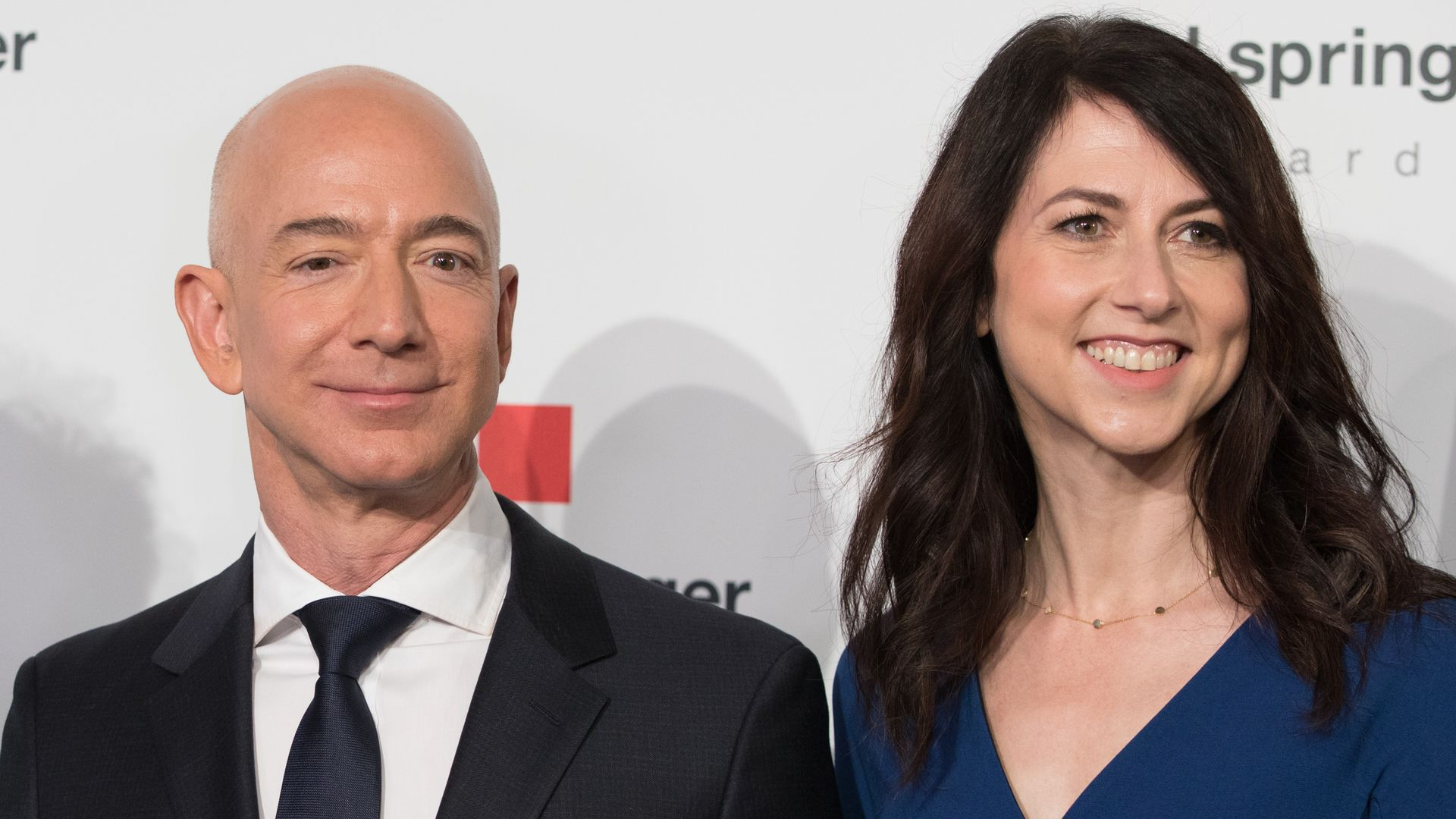 Amazon Jeff Bezos and his wife MacKenzie Bezos