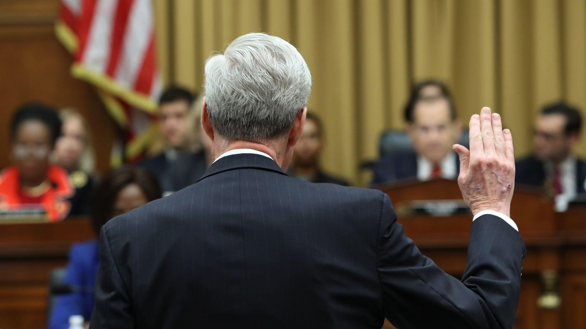 Robert Mueller being sworn in