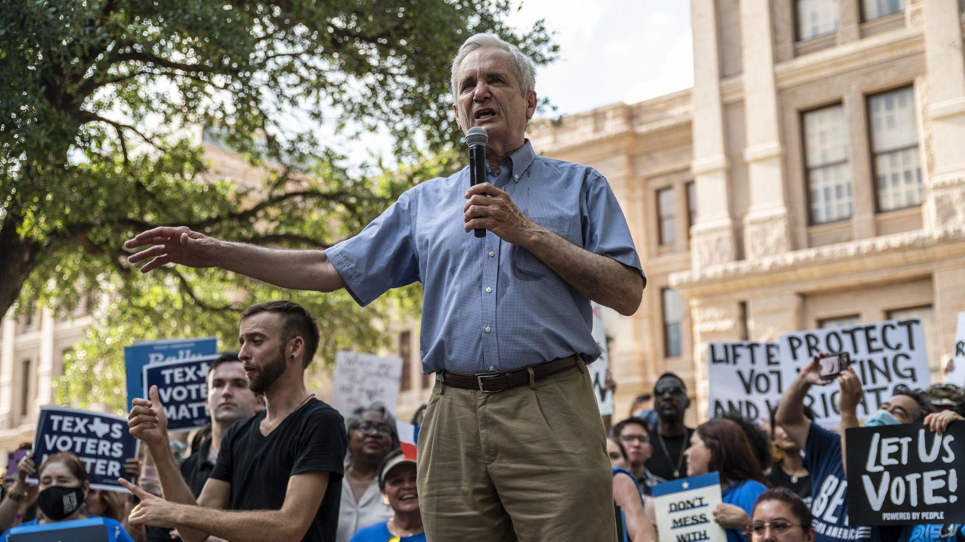 U.S. Rep. Lloyd Doggett at a rally in Austin in 2021.