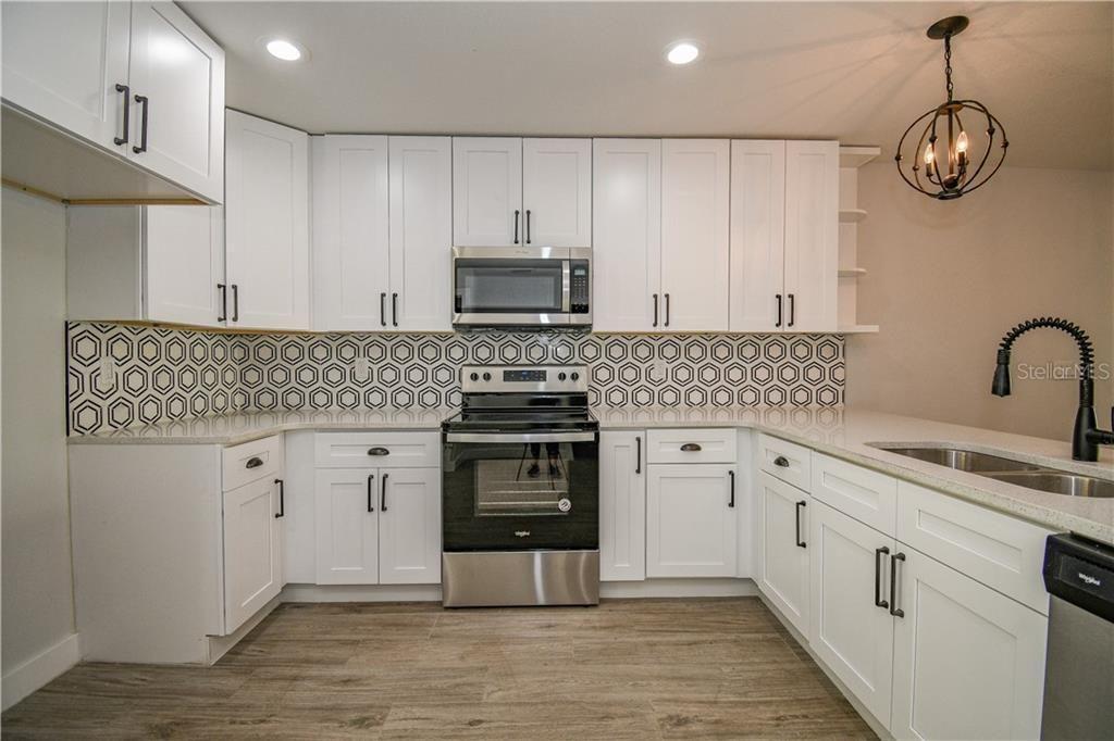 801 E. Baker St. kitchen