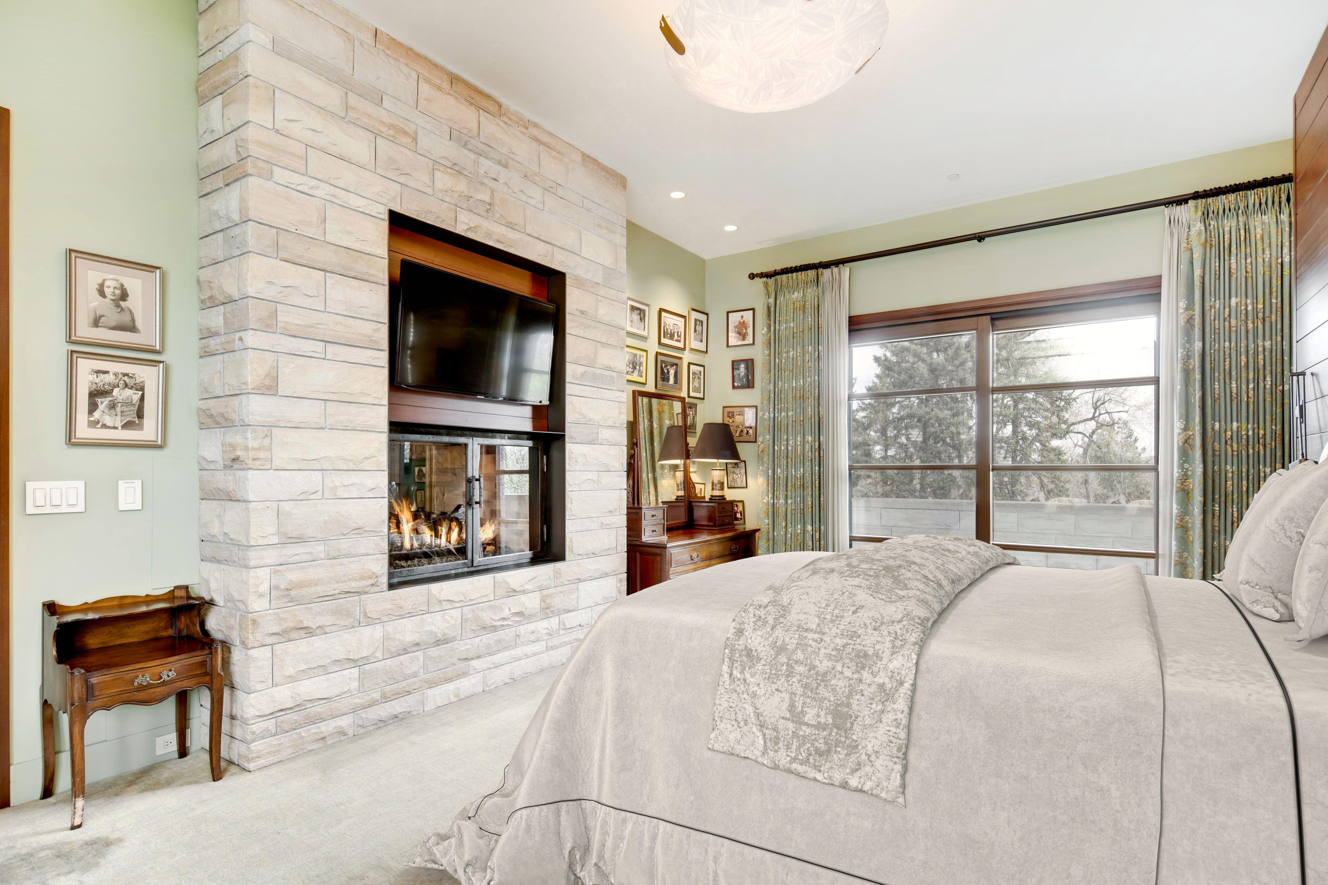 9 Polo Club Ln bedroom