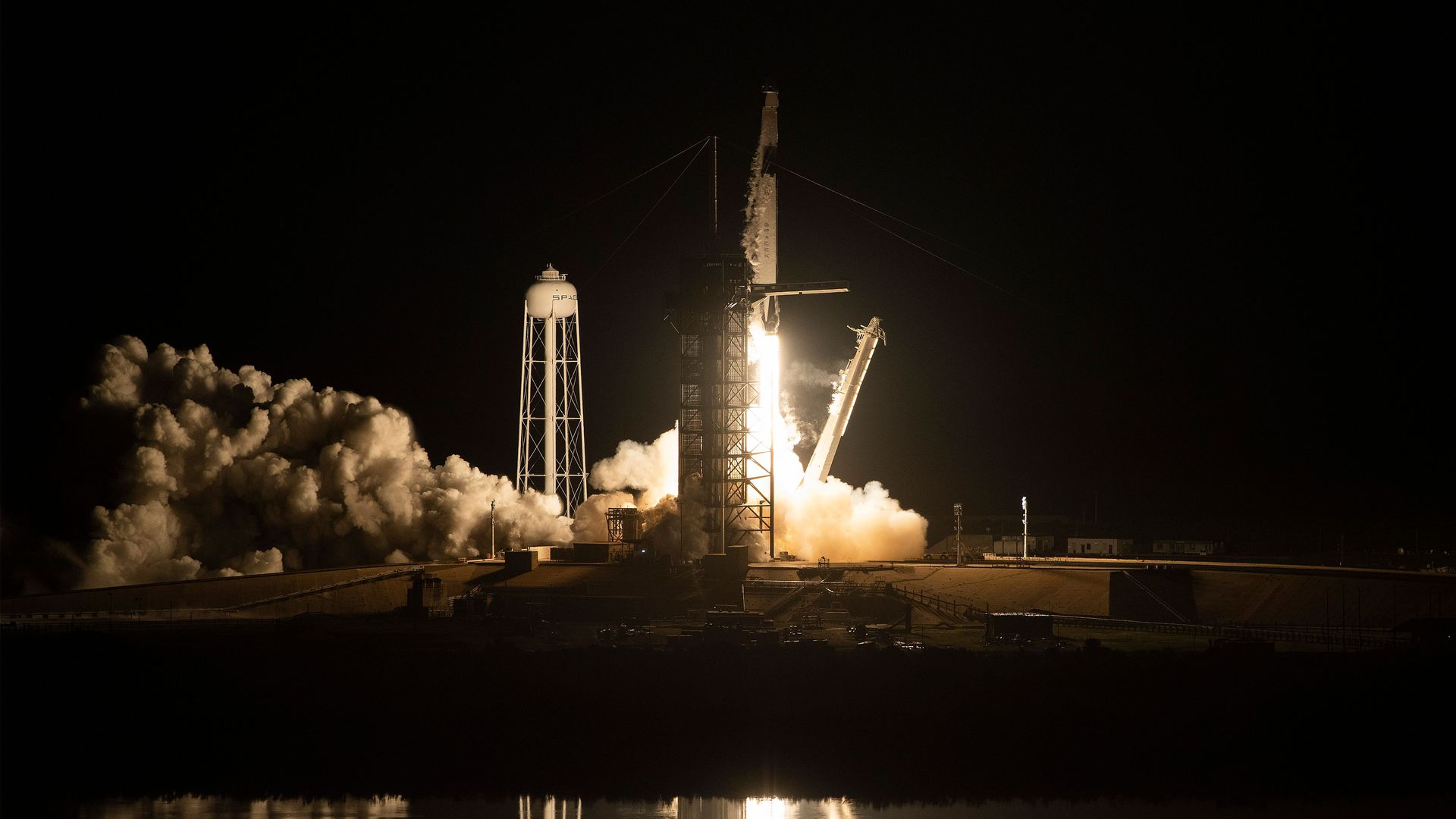 SpaceX is raising another $500 million