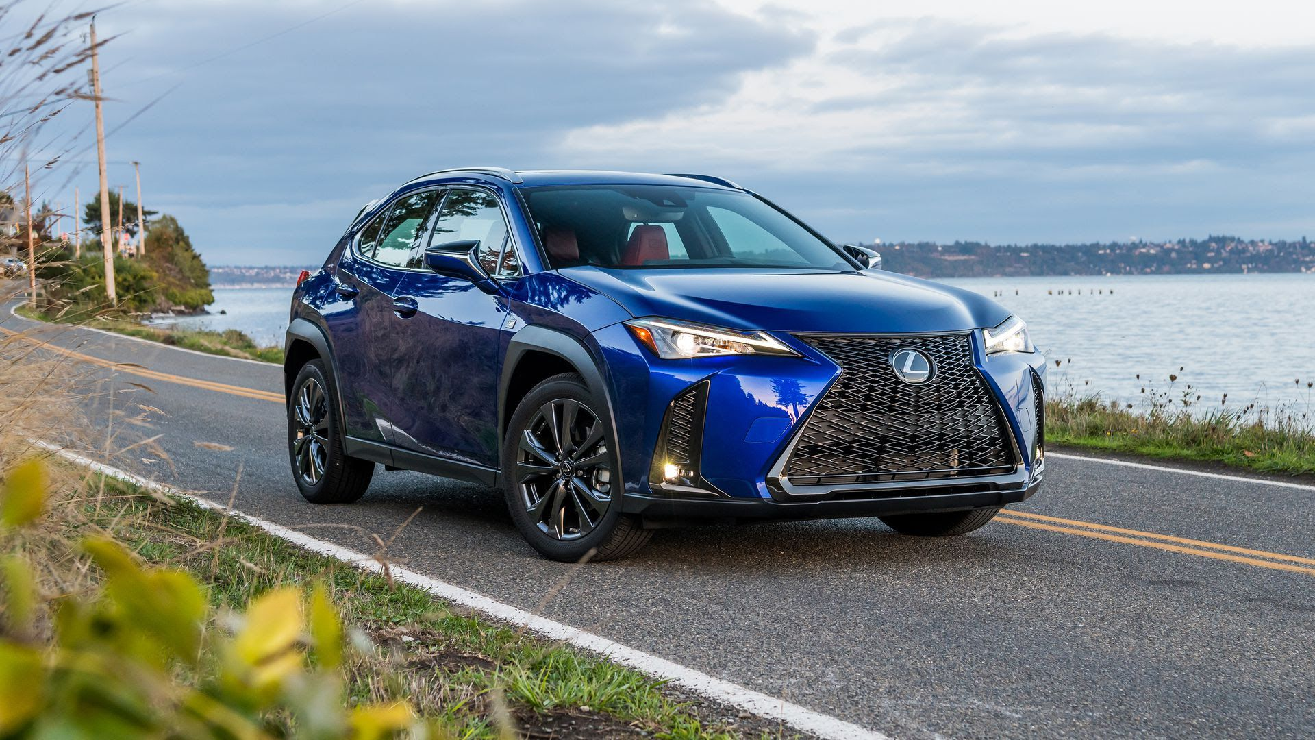 What we're driving: Lexus UX 250 F-Sport - Axios
