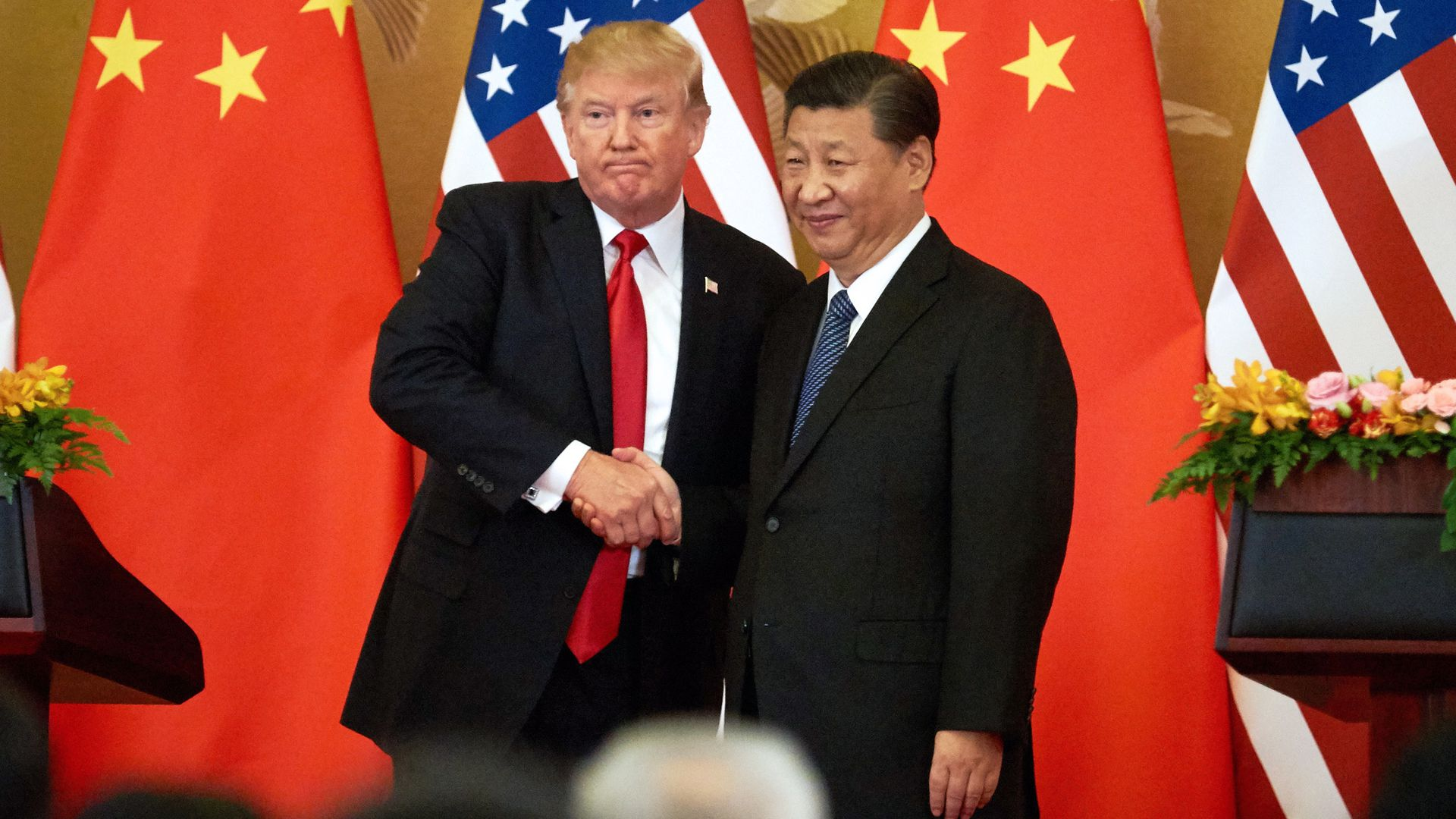 President Trump shakes hands with Chinese president Xi