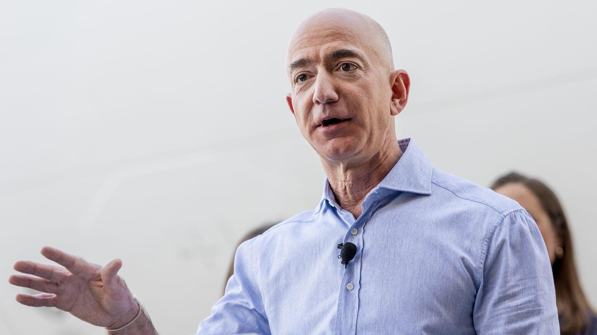Report: Bezos eyeing NFL team