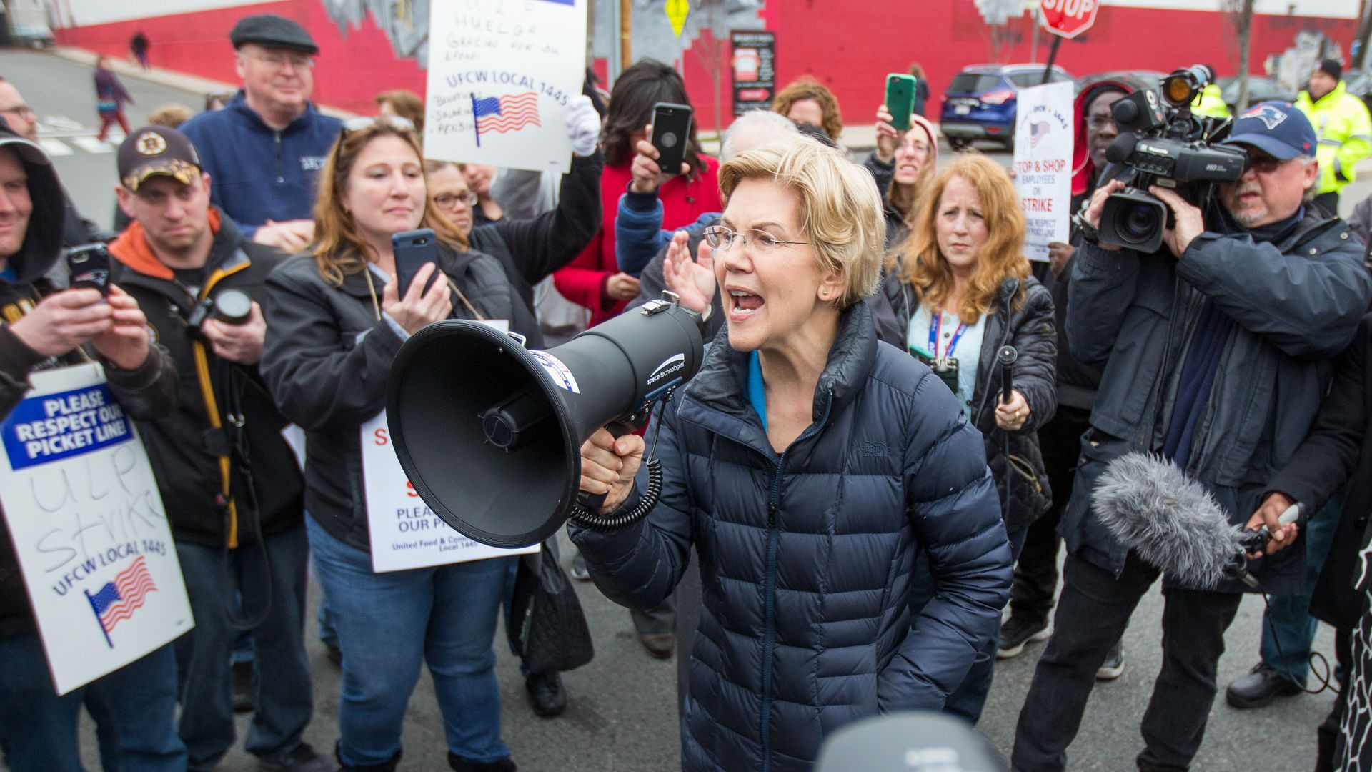 Elizabeth Warren picketing