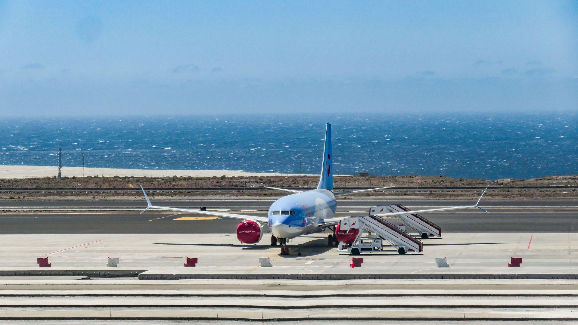 Boeing 737 MAX - Axios