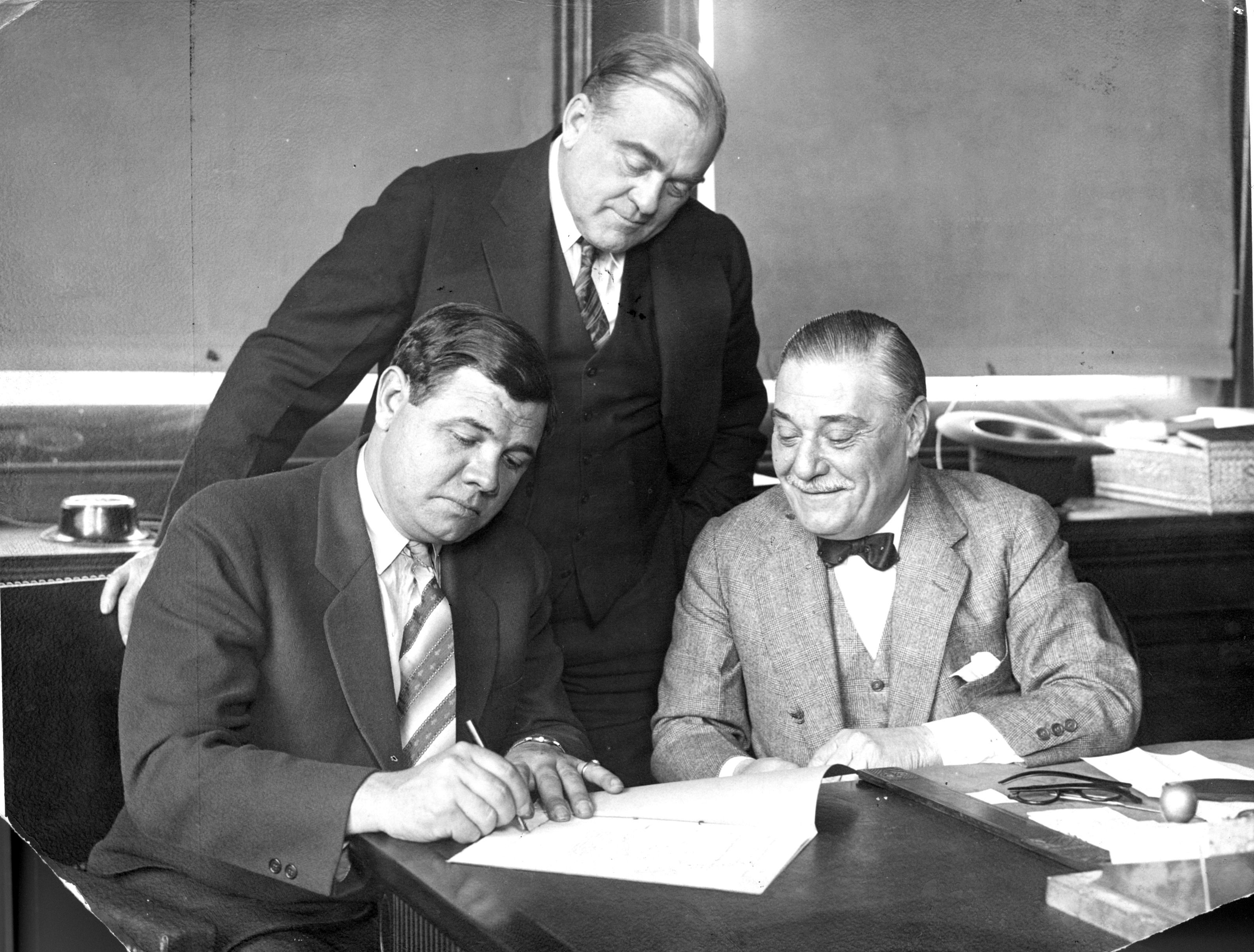 Babe Ruth signing contract