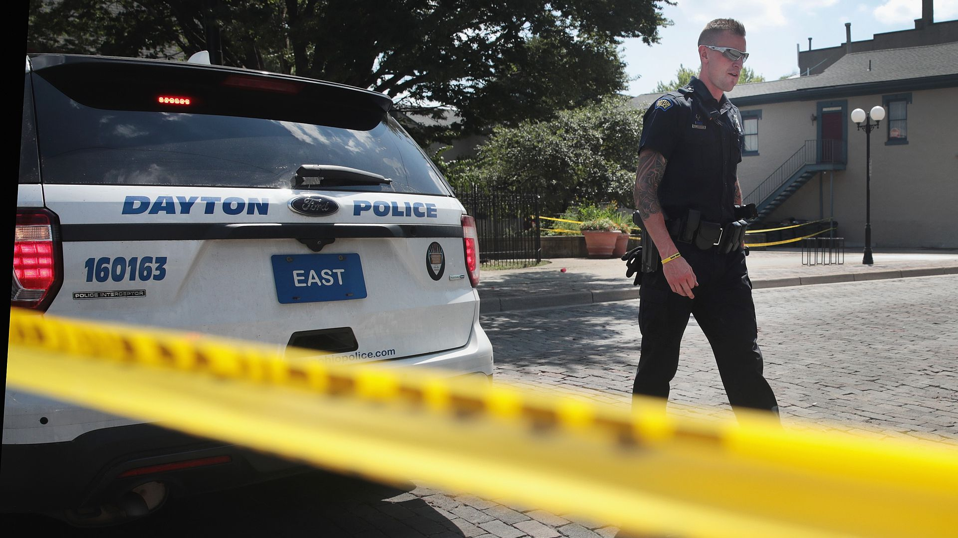 Police officer at the shooting scene in Dayton, Ohio. Photo: Scott Olson/Getty Images