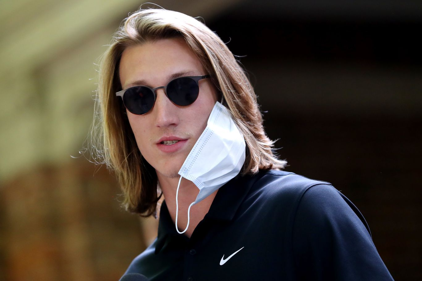 Trump says college quarterback Trevor Lawrence called about fall season thumbnail