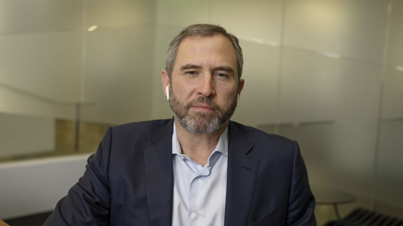 """Ripple CEO Brad Garlinghouse: SEC lawsuit is """"bad for crypto"""" in the U.S. thumbnail"""