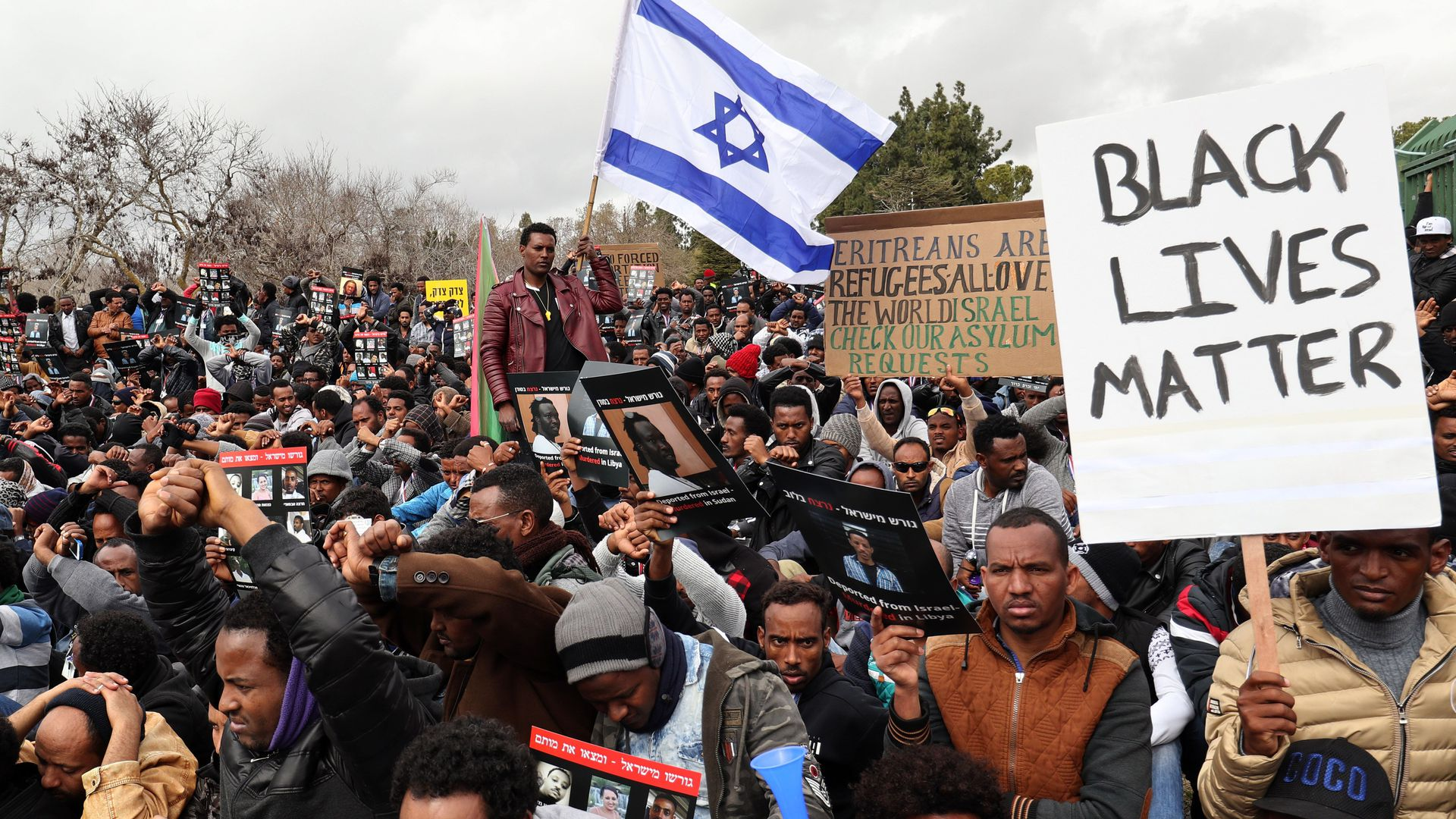 Israel suspends resettlement deal with un on african migrants axios israel suspends resettlement deal with un on african migrants stopboris Image collections