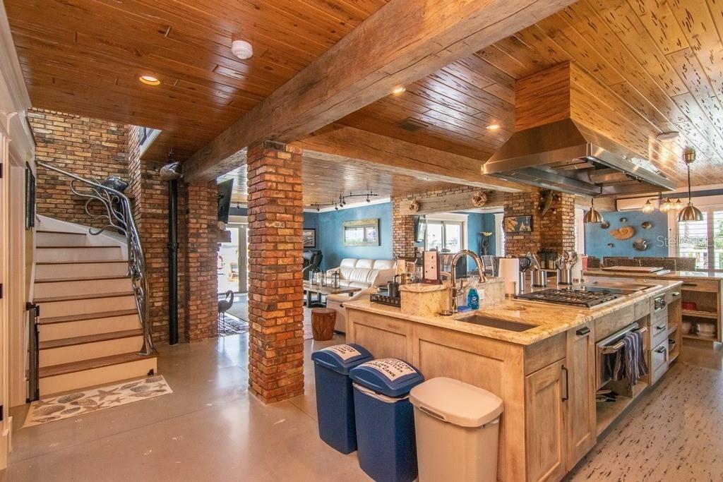 941 Bay Esplanade kitchen 1