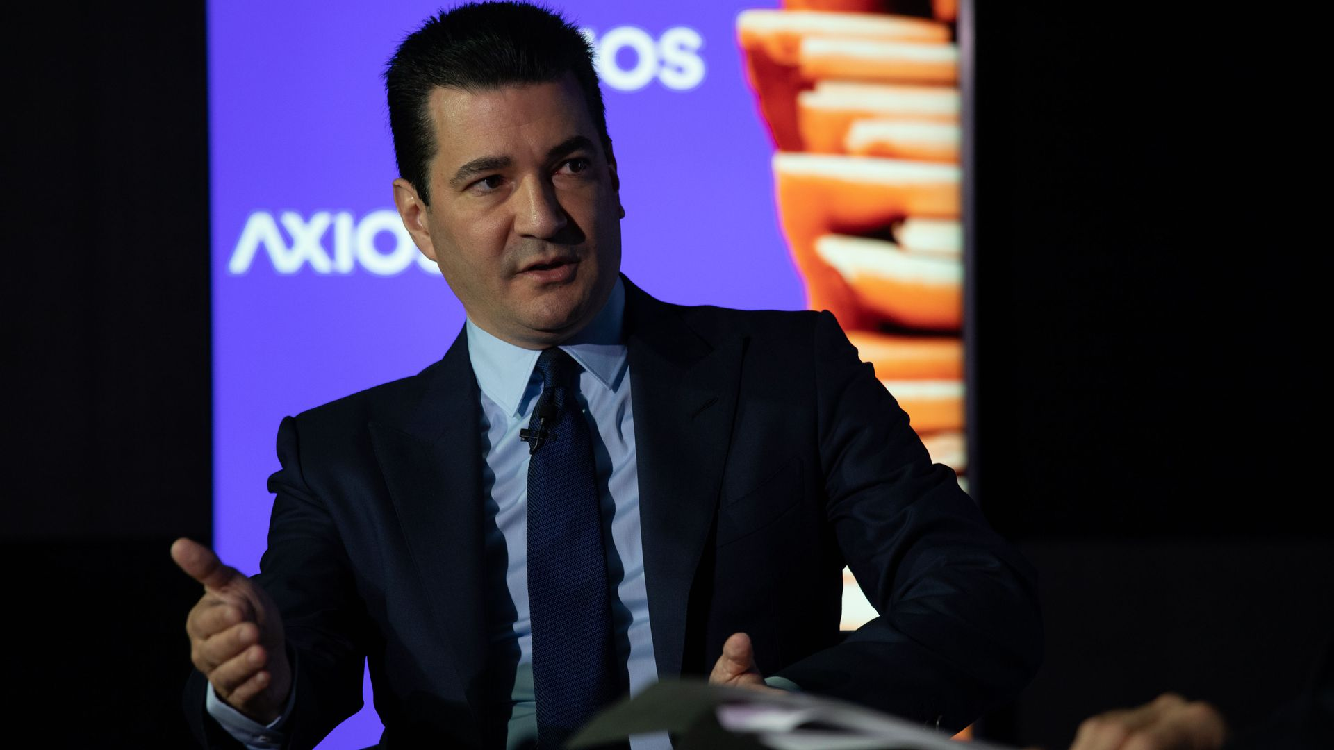 ff6f7e788502 FDA Commissioner Scott Gottlieb. Photo: Chuck Kennedy/Axios. The Food and  Drug Administration is considering a ban on the online sale of e-cigarettes  ...