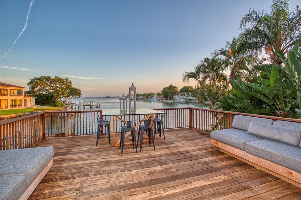 1365 Brightwaters Blvd NE deck views