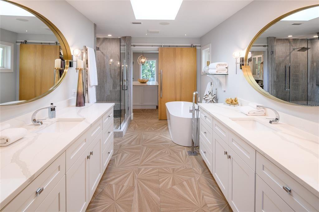1365 Brightwaters Blvd NE bath