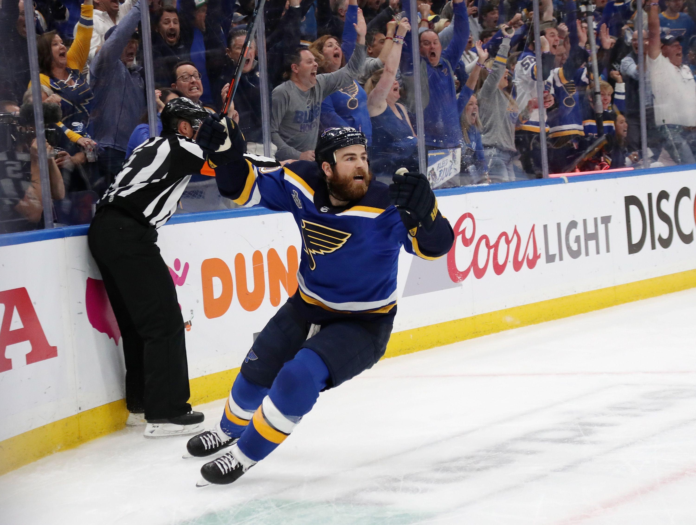 Ryan O'Reilly celebrates his goal