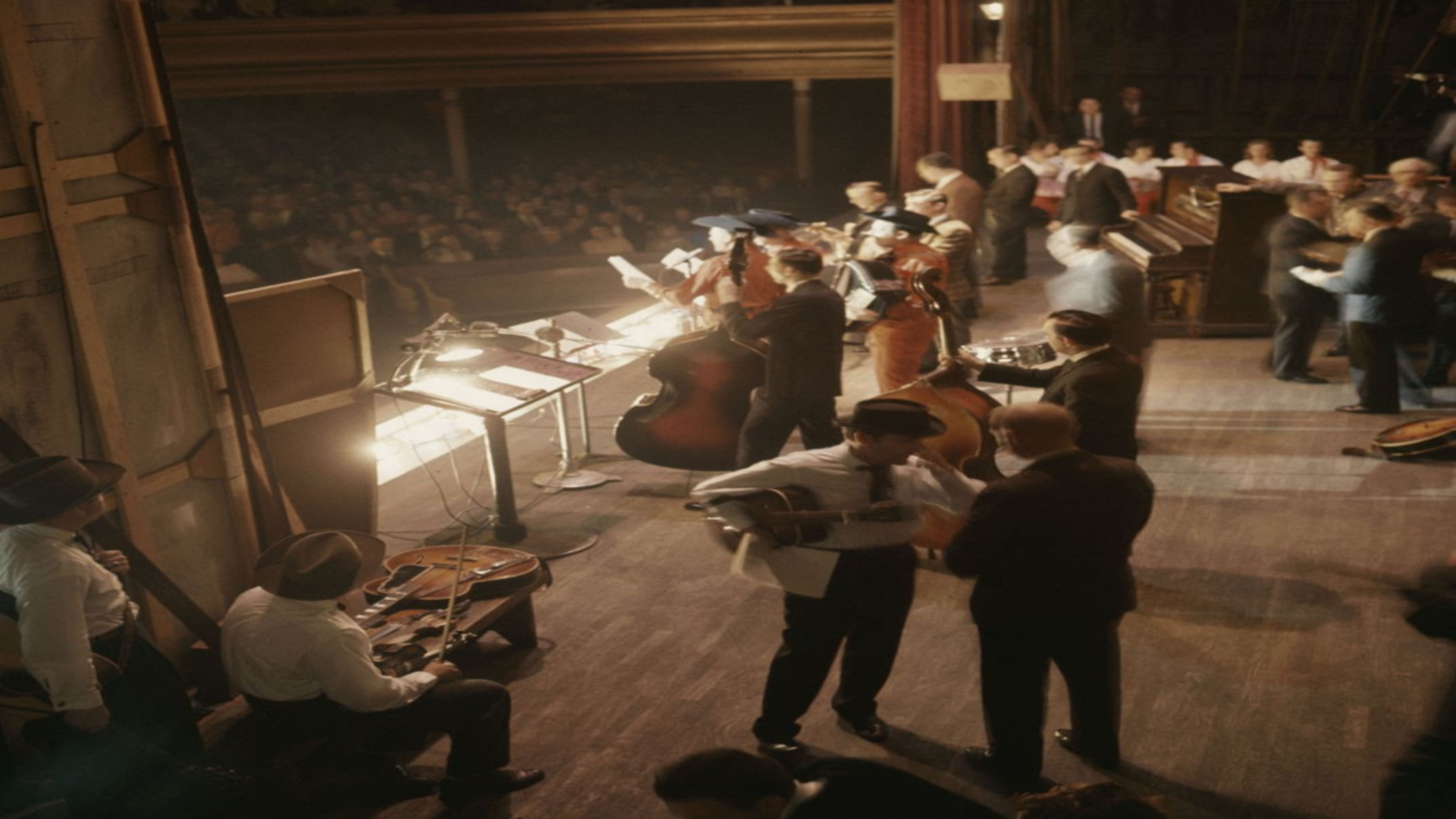A picture of a country music hall concert.