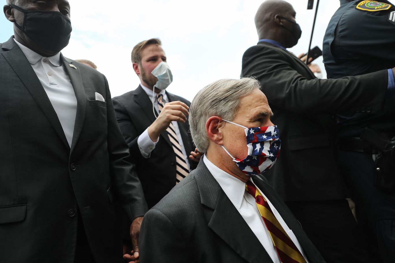 Texas governor mandates face masks in public spaces thumbnail