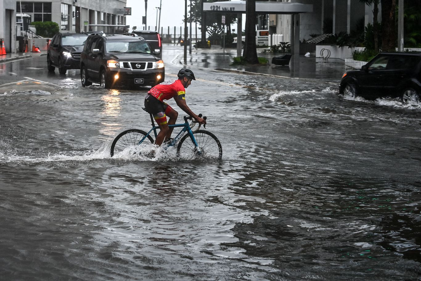 Tropical Storm Eta set to make second landfall in Florida thumbnail