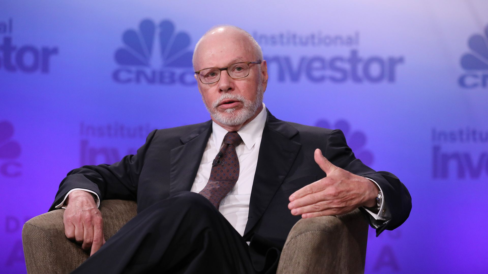 Hedge fund manager Paul Singer speaks at a CNBC event in 2016.