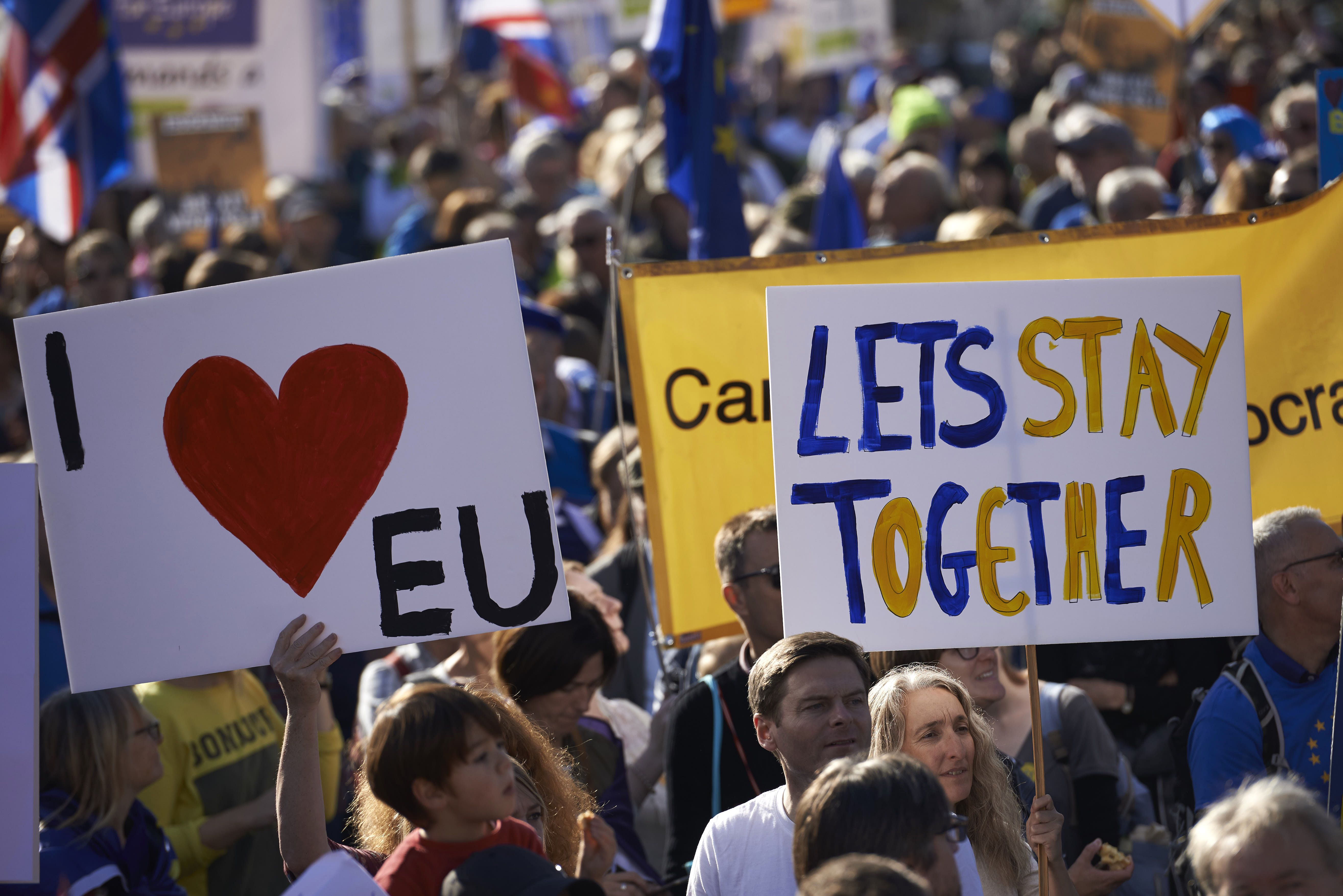 Protestors calling for the European Union to stick together
