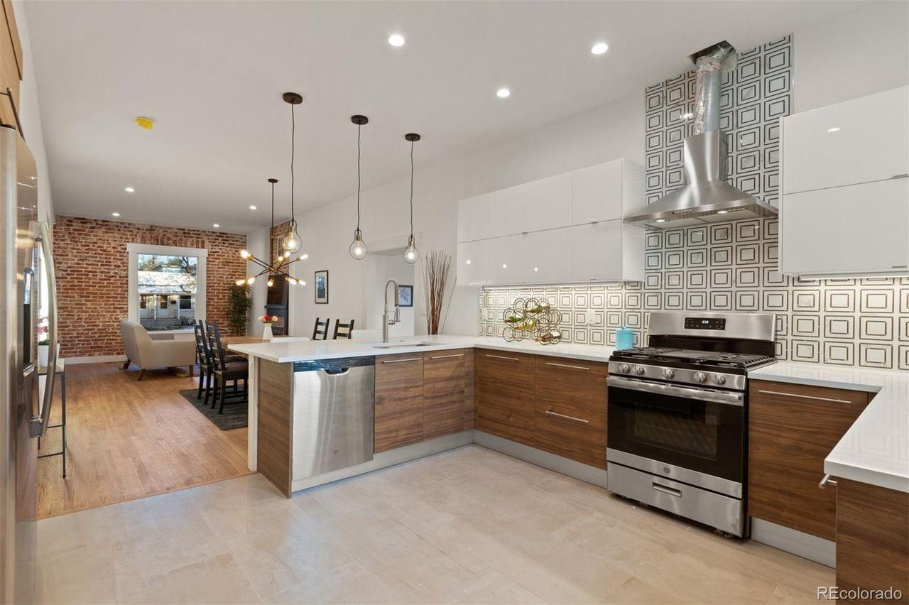 837 S. Grant St. kitchen