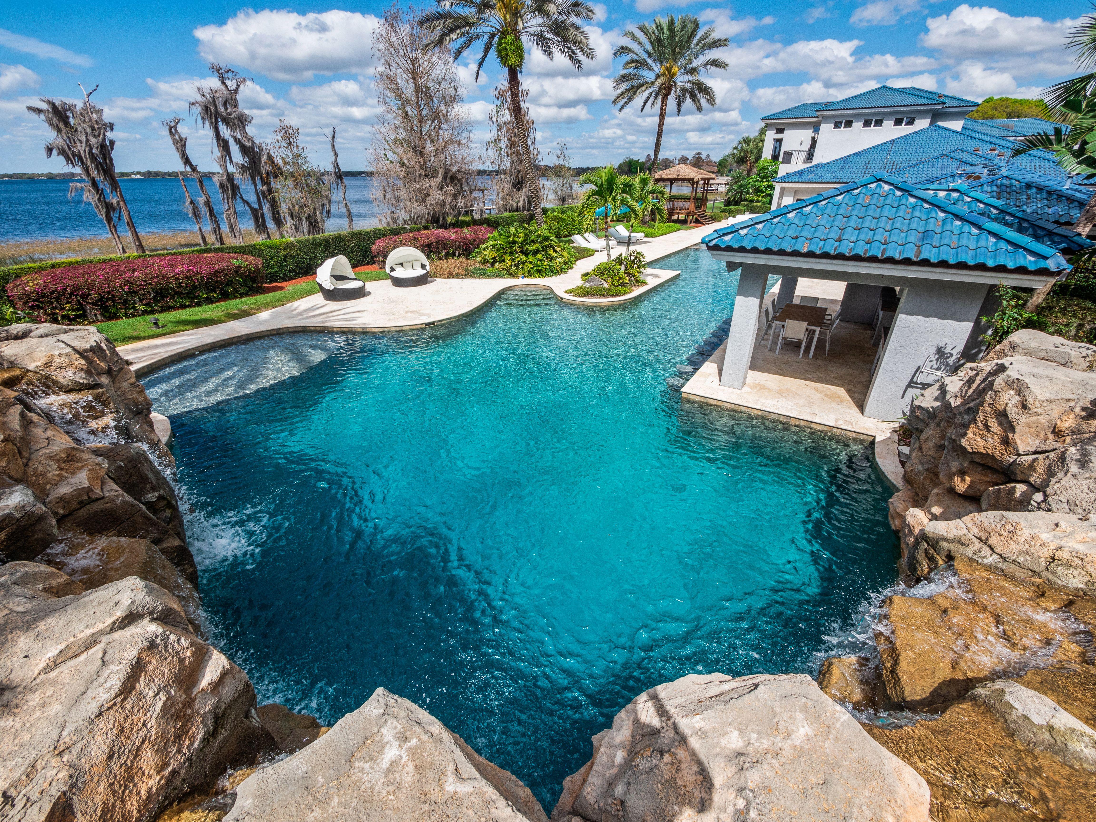 shaq's florida estate pool