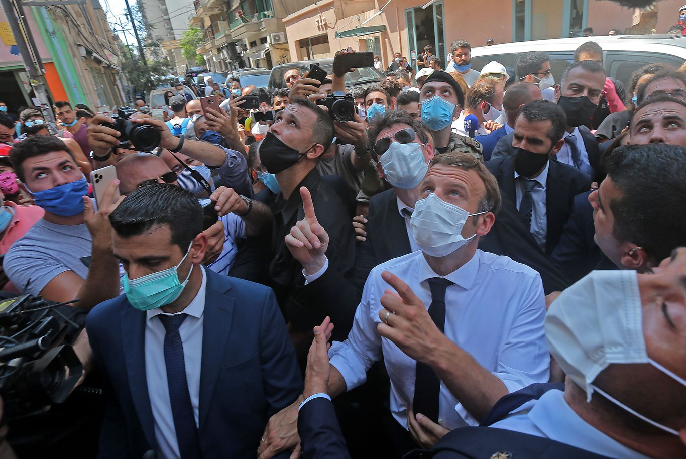 """Macron visits Beirut promising a """"new political pact"""" for Lebanon thumbnail"""