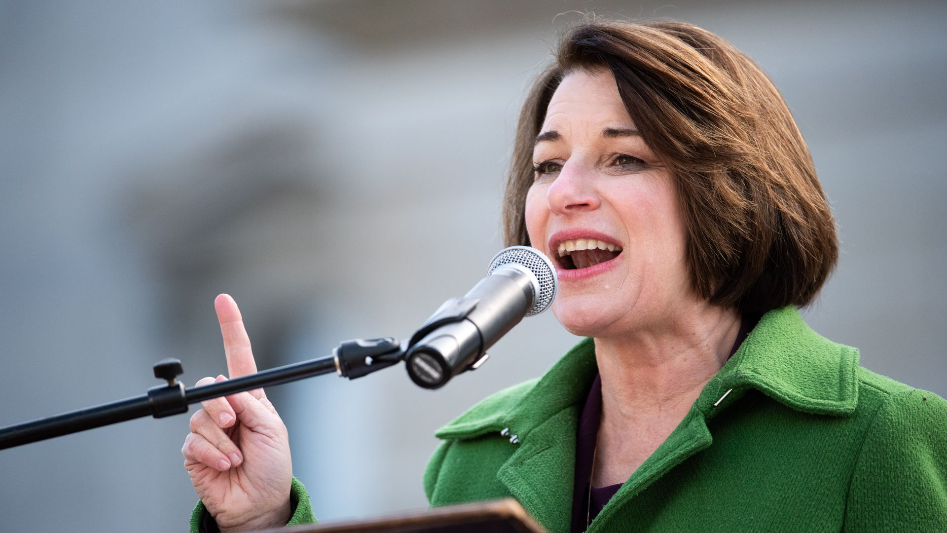 Amy Klobuchar endorsed by New Hampshire Union Leader ahead of Democratic caucuses