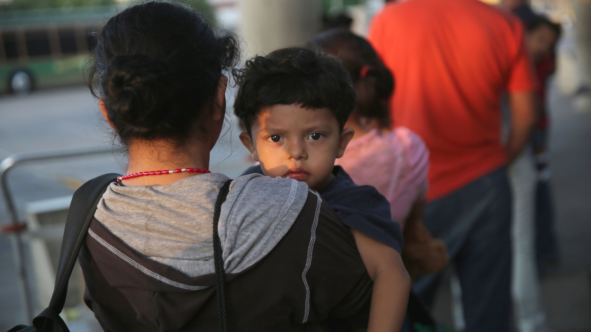 Report: Border patrol holding hundreds of migrant kids beyond legal 72 hours
