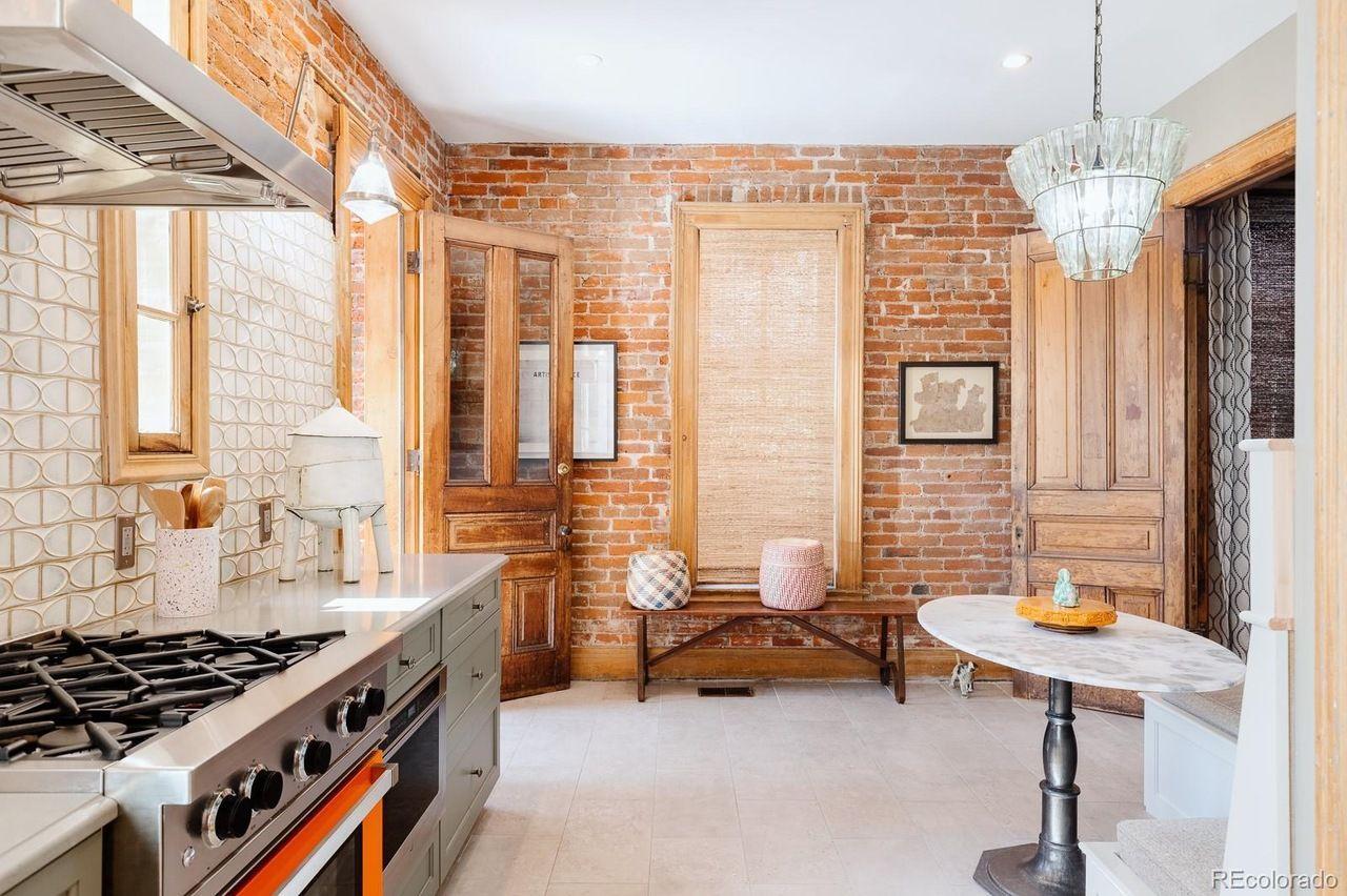 2426 Champa St kitchen