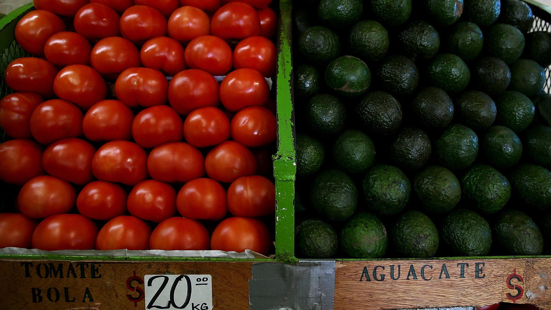 Tomatoes and avocados from mexico for sale.