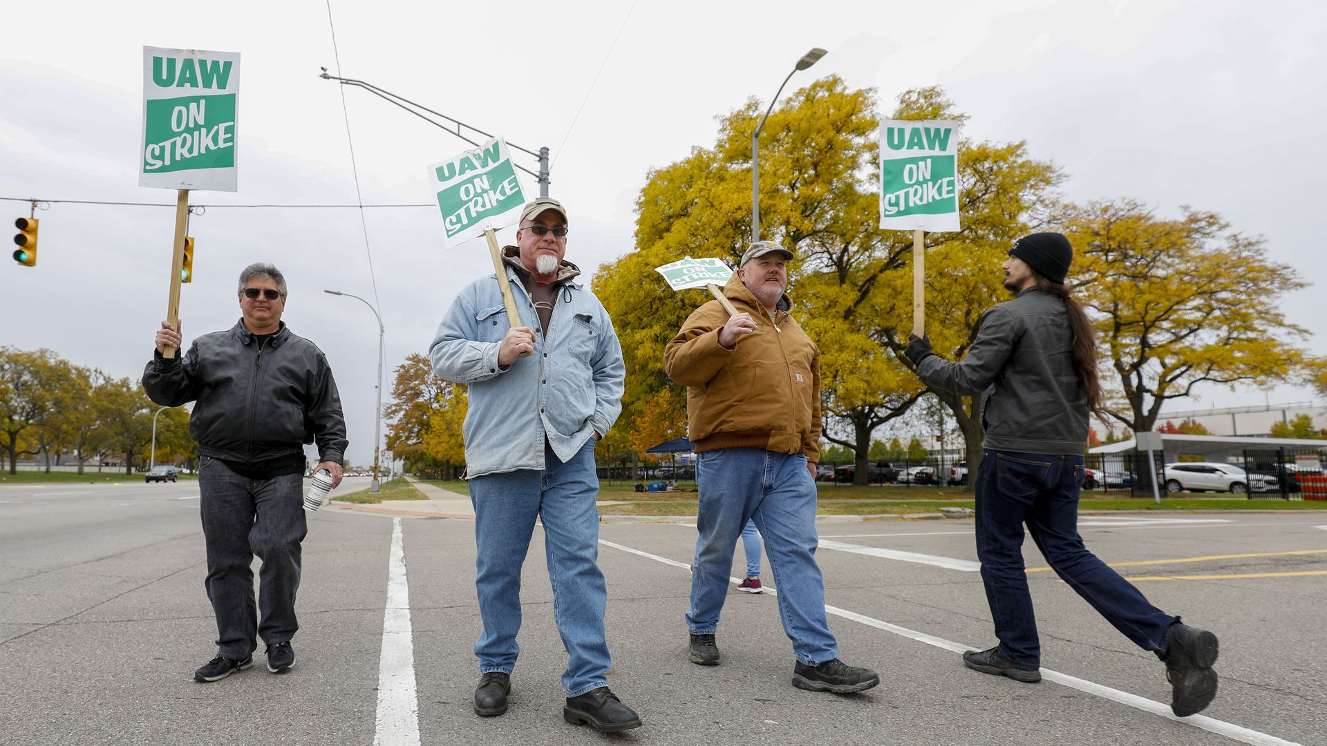 UAW votes in favor of new contract with Ford