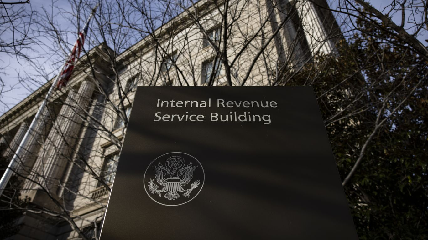 IRS expected to delay tax filing deadline thumbnail