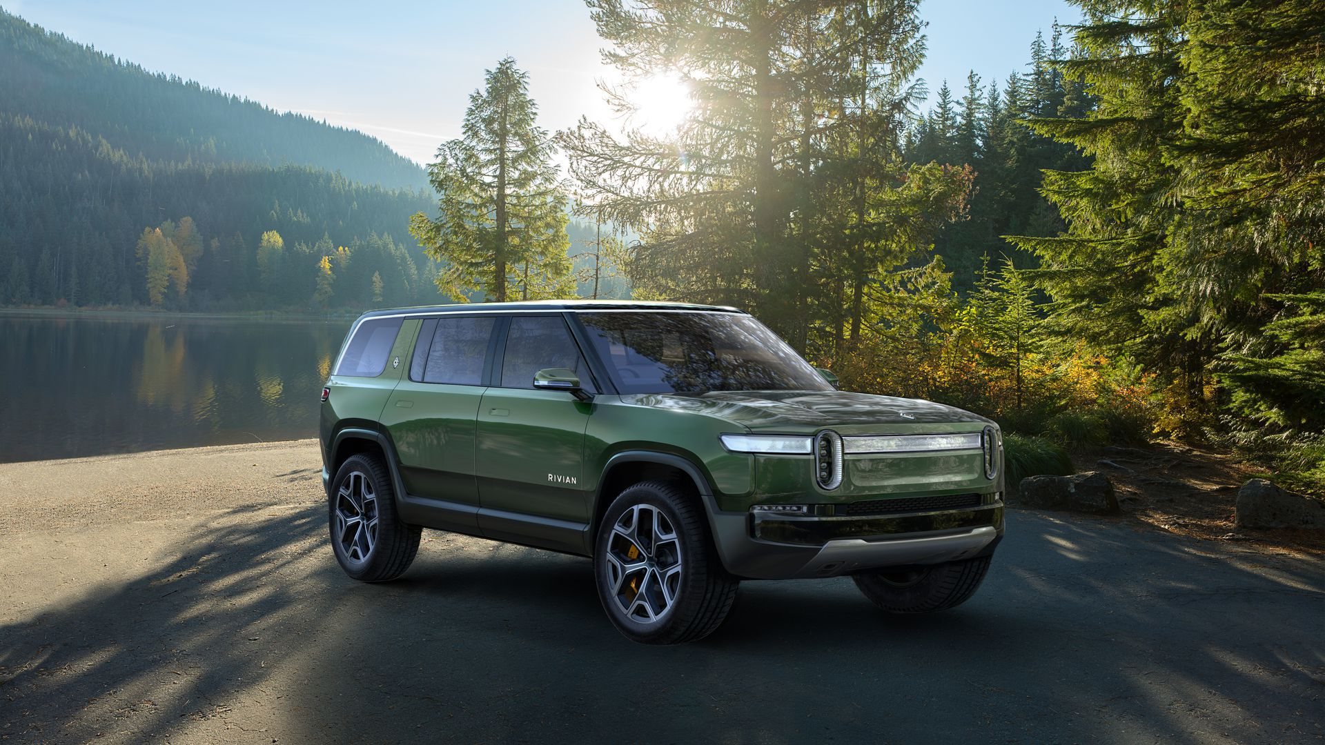 Rivian R1S battery-powered SUV for off-roading adventurers