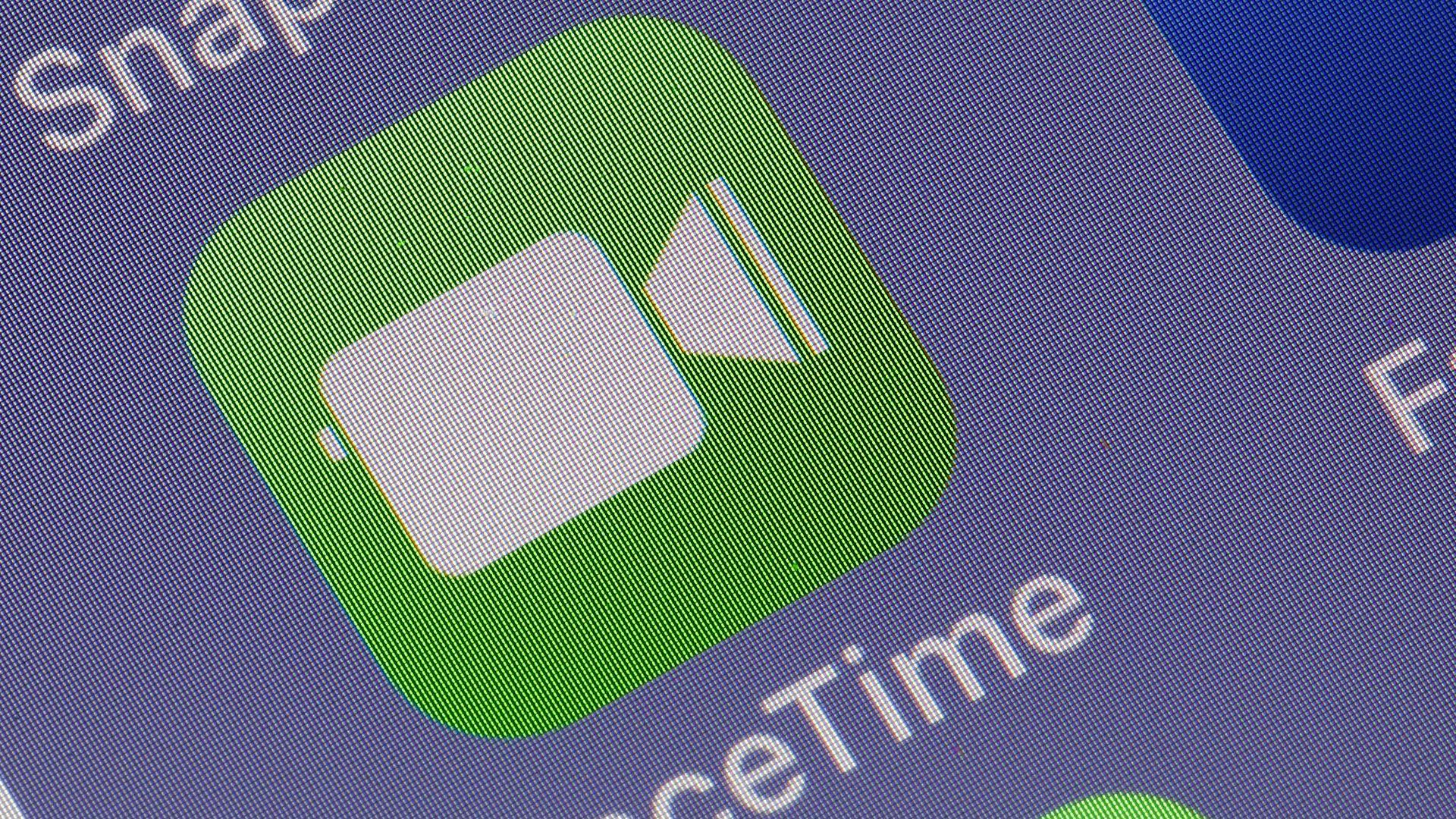 Apple's FaceTime app via Chesnot / Getty Images.