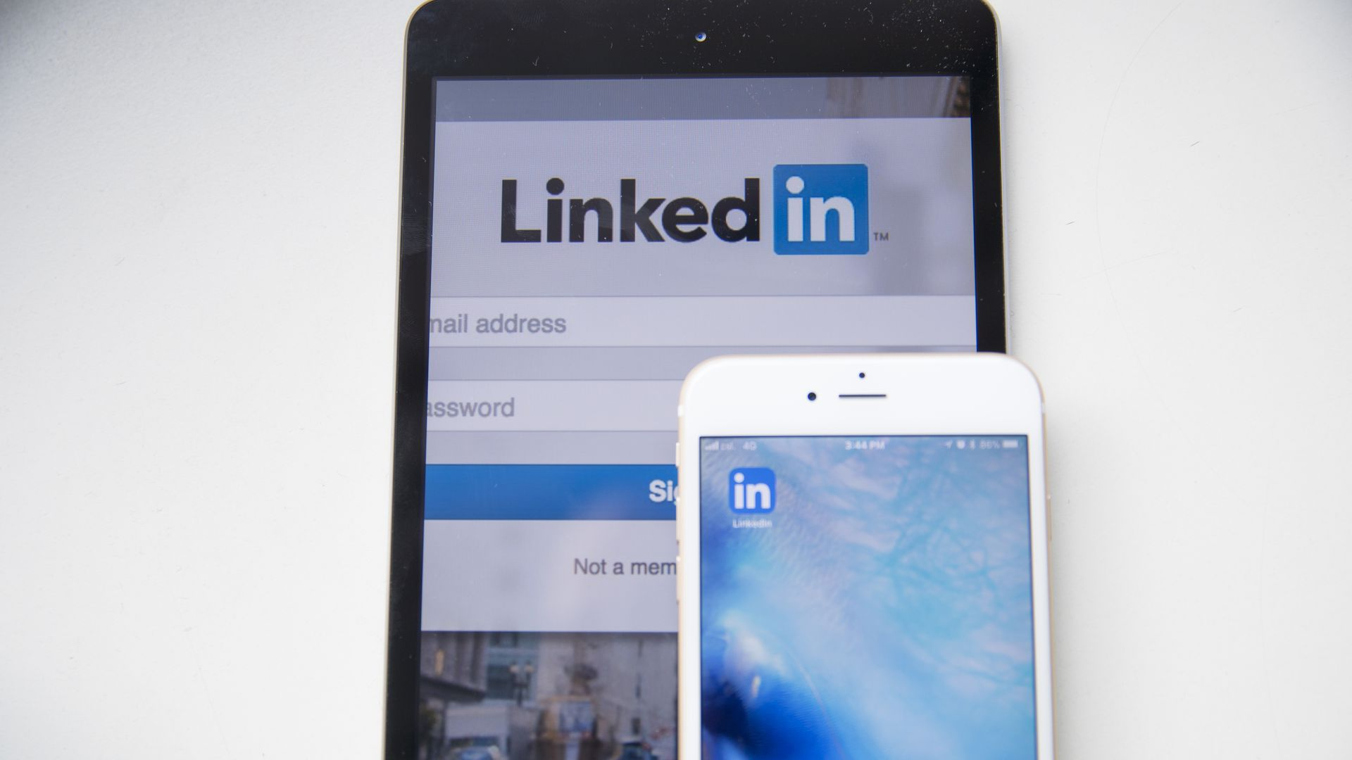 LinkedIn expects media biz to bring in $2 billion in 2018