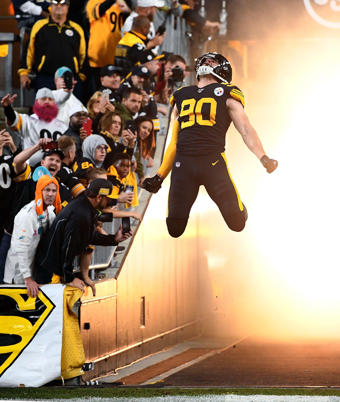T.J. Watt jumping